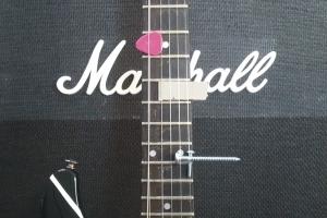 julian-angel_prepared-guitar